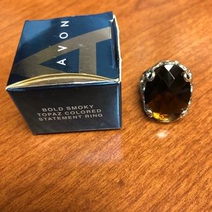 NEW AVON Topaz Colored Statement Ring 💍